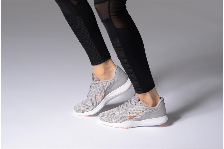 Sportschuhe Nike W Nike Flex Trainer 7 Print weiß ansicht von unten / tasche getragen