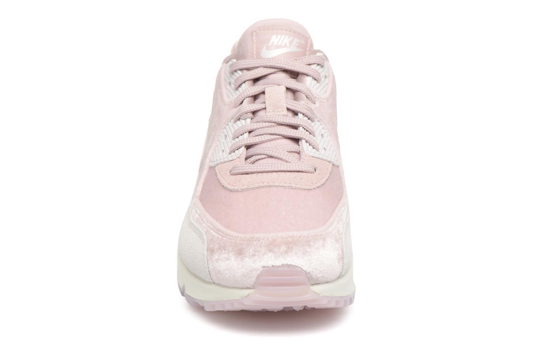 Baskets Nike Wmns Air Max 90 Lx Rose vue portées chaussures