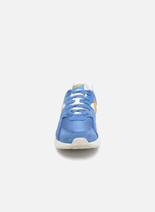 Deportivas Nike Nike Pantheos Azul vista del modelo