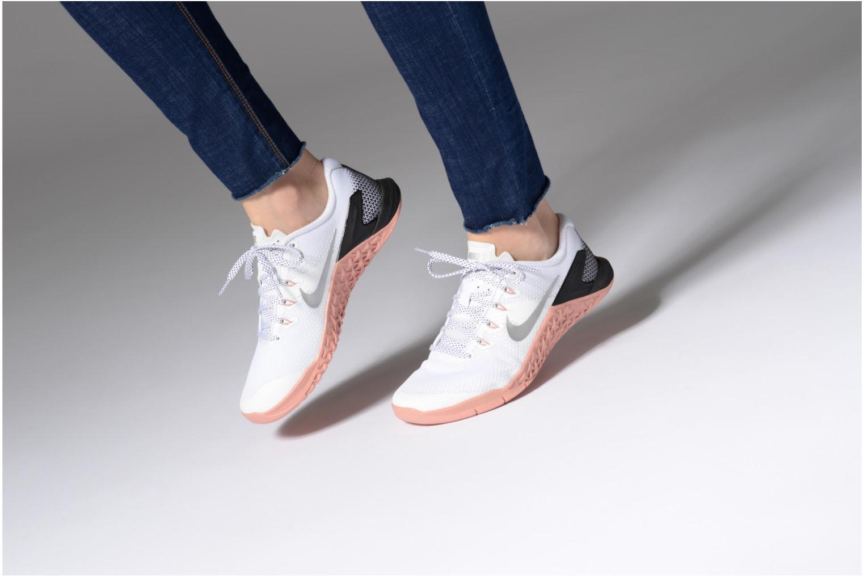 Chaussures de sport Nike Wmns Nike Metcon 4 Blanc vue bas / vue portée sac