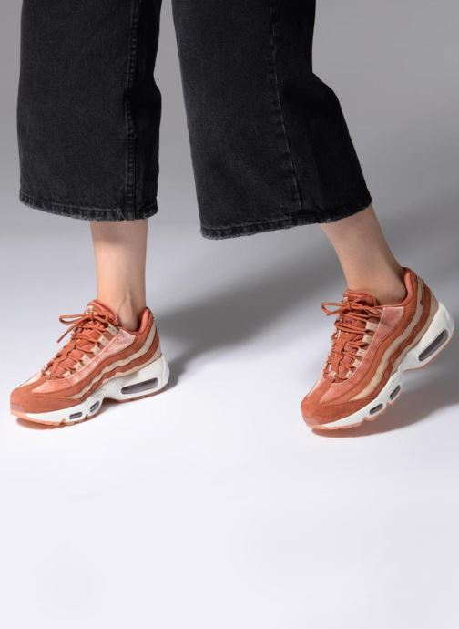 7b6110e1705a Trainers Nike Wmns Air Max 95 Lx Orange view from underneath   model view