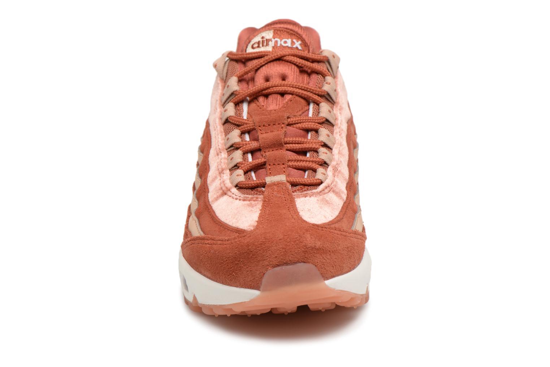 Baskets Nike Wmns Air Max 95 Lx Orange vue portées chaussures