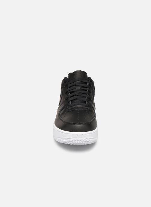 Trainers Nike Air Force 1 '07 Black model view