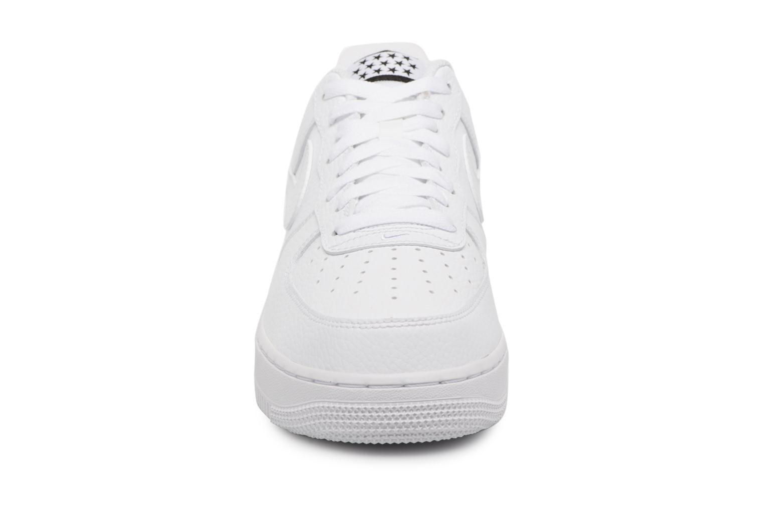 Trainers Nike Air Force 1 '07 White model view