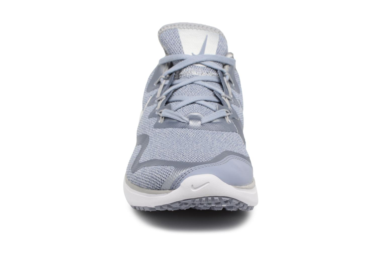 Sportschuhe Nike Wmns Nike Air Max Fury blau schuhe getragen