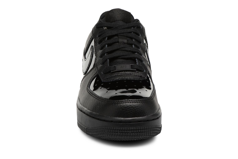 Baskets Nike Women Air Force 1 '07 Noir vue portées chaussures