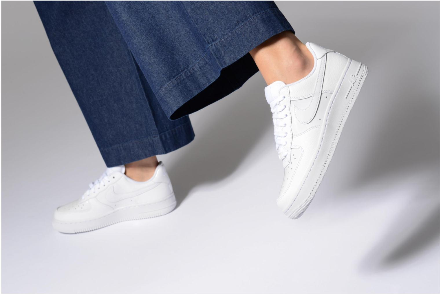 Baskets Nike Women Air Force 1 '07 Blanc vue bas / vue portée sac