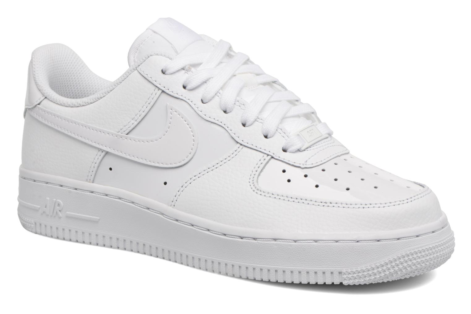 Baskets Nike Women Air Force 1 '07 Blanc vue détail/paire