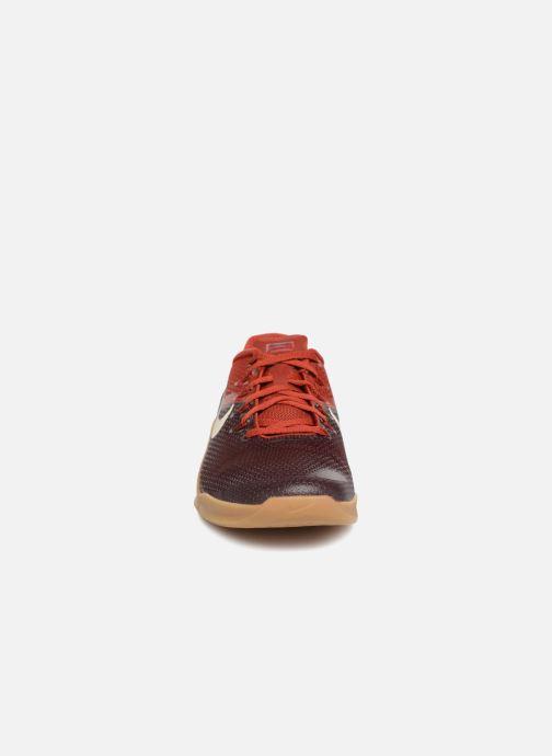 Chaussures de sport Nike Nike Metcon 4 Bordeaux vue portées chaussures