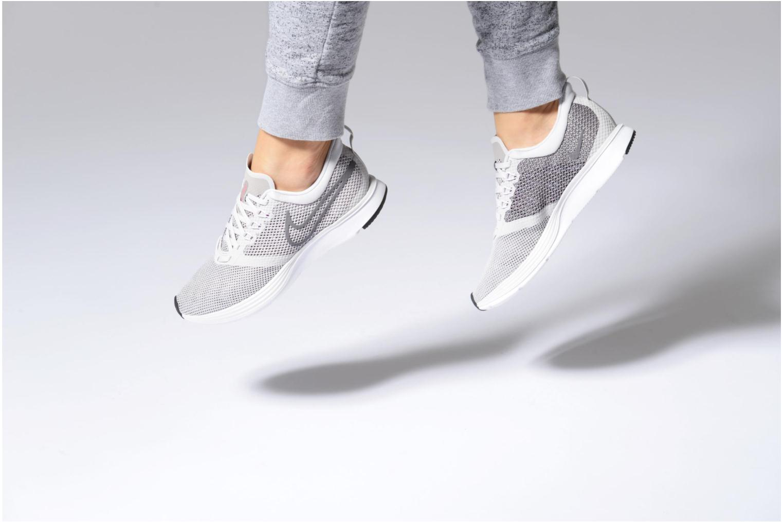 Chaussures de sport Nike Wmns Nike Zoom Strike Gris vue bas / vue portée sac
