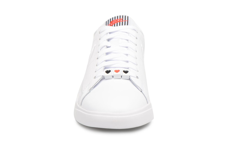 Baskets Nike W Blazer Low Se Lx Blanc vue portées chaussures