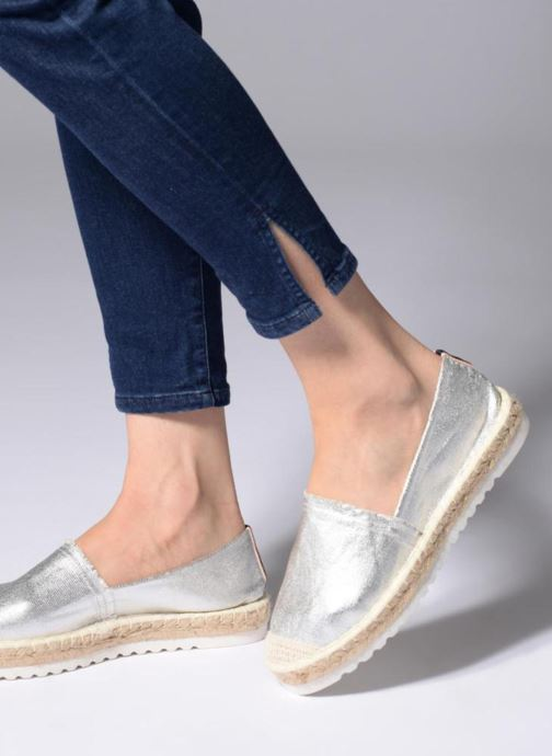 Alpargatas I Love Shoes Beyoni Plateado vista de abajo