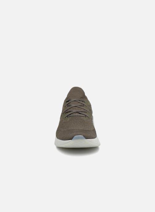 Sportschuhe Nike Nike Epic React Flyknit grün schuhe getragen
