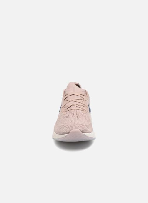 Scarpe sportive Nike Nike Epic React Flyknit Beige modello indossato