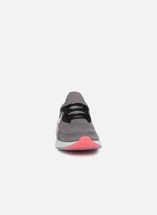 Chaussures de sport Nike Wmns Nike Epic React Flyknit Gris vue portées chaussures