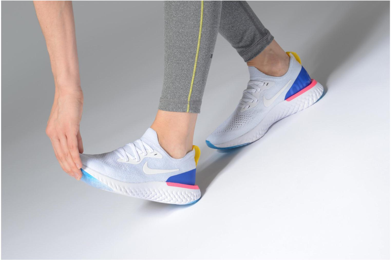 Chaussures de sport Nike Wmns Nike Epic React Flyknit Blanc vue bas / vue portée sac