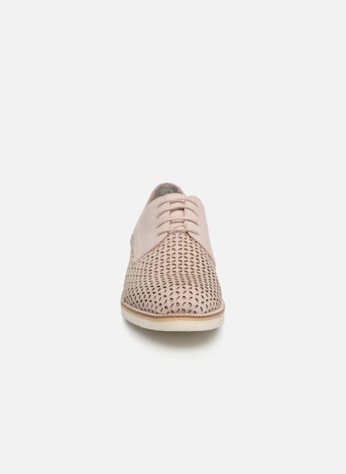 Zapatos con cordones Tamaris Absinthe Rosa vista del modelo