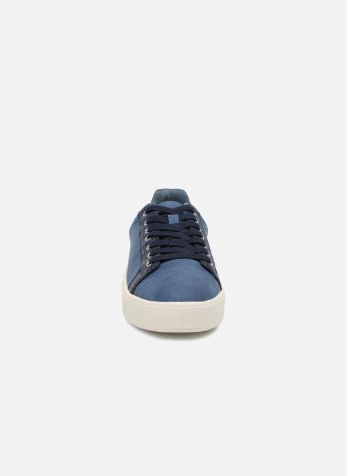 Sneakers Tamaris Cerfeuil Azzurro modello indossato