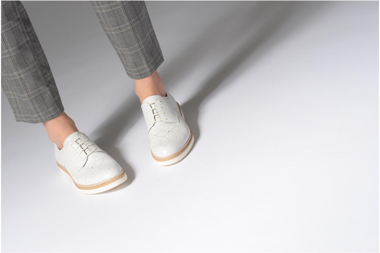Chaussures à lacets Tamaris Cardamome Blanc vue bas / vue portée sac