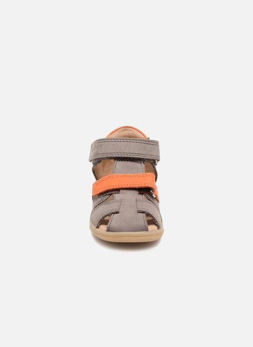 Sandales et nu-pieds Shoo Pom Pika Scratch Gris vue portées chaussures