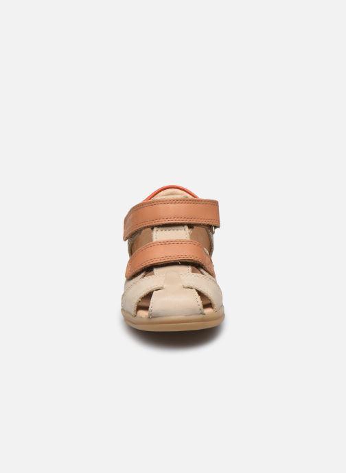Sandales et nu-pieds Shoo Pom Pika Scratch Beige vue portées chaussures