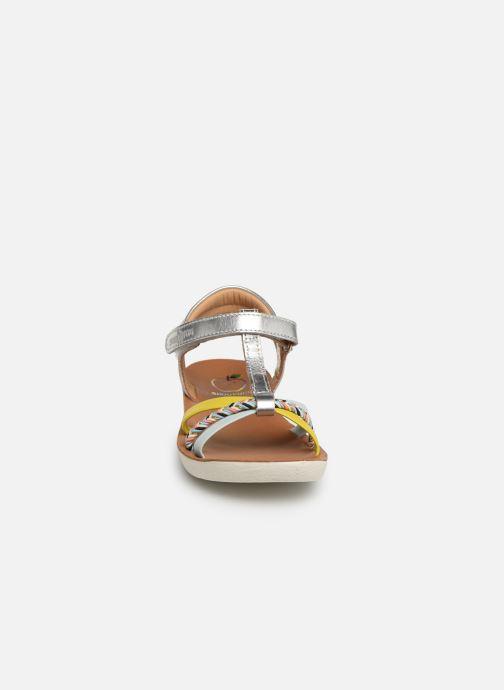 Sandales et nu-pieds Shoo Pom Goa Salome Argent vue portées chaussures