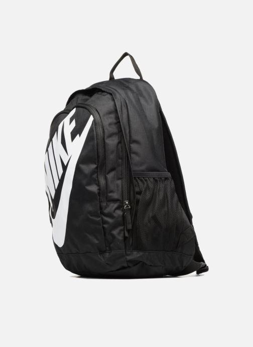 Rucksäcke Nike Nike Sportswear Hayward Futura Backpack schwarz schuhe getragen