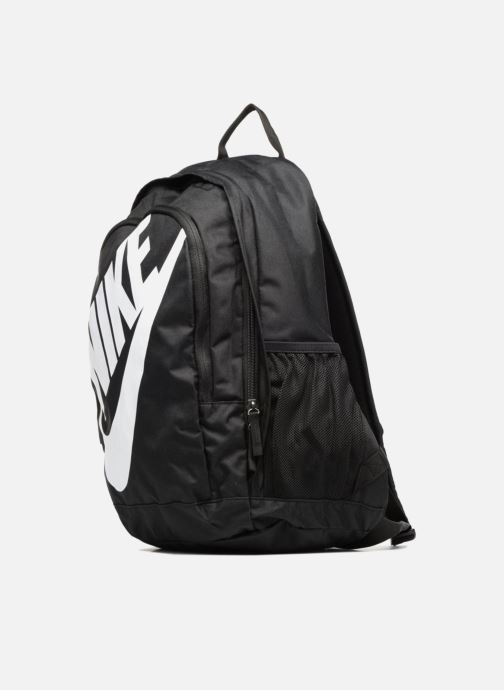 Sacs à dos Nike Nike Sportswear Hayward Futura Backpack Noir vue portées chaussures