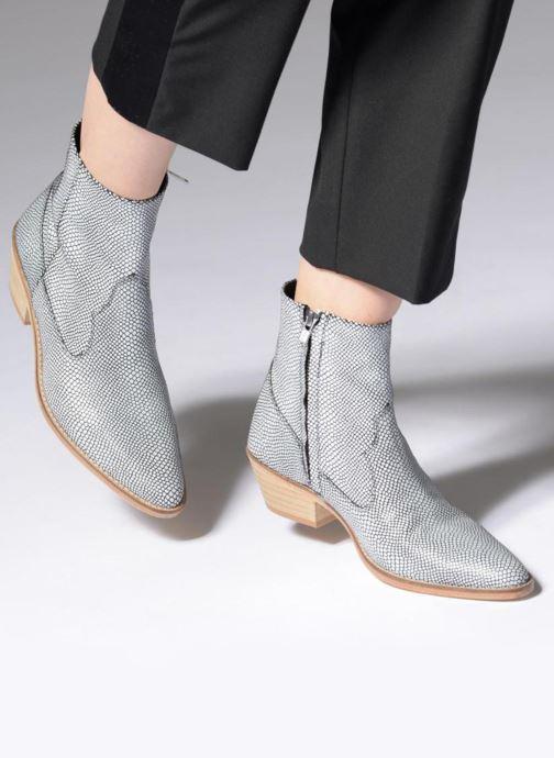 Bottines et boots Valentine Gauthier Keith Noir vue bas / vue portée sac