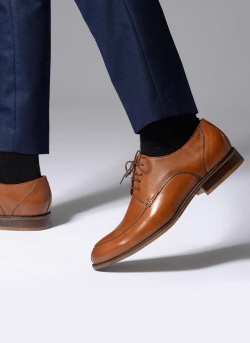 Chaussures à lacets Marvin&Co Nottinghill Marron vue bas / vue portée sac