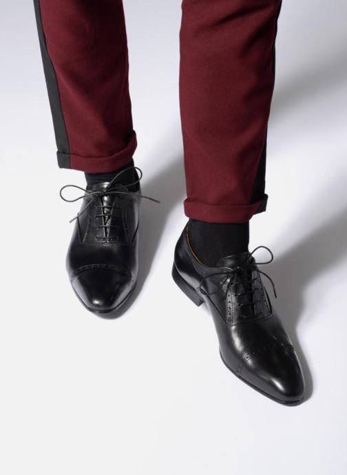 Snörade skor Marvin&Co Narlow Svart bild från under