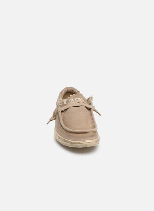 Baskets DUDE Wally Washed Marron vue portées chaussures