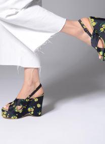 Sandals Women Pesteban