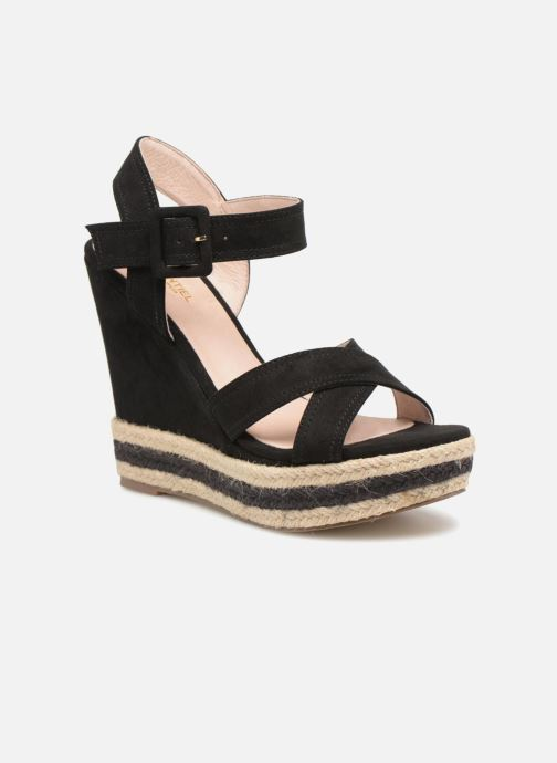 Sandals Essentiel Antwerp Patto Black detailed view/ Pair view