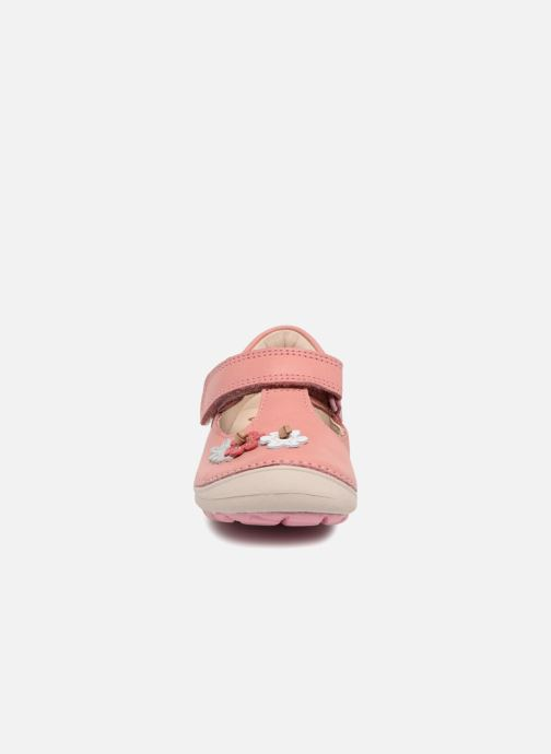 Ballerines Clarks Softly Blossom Rose vue portées chaussures