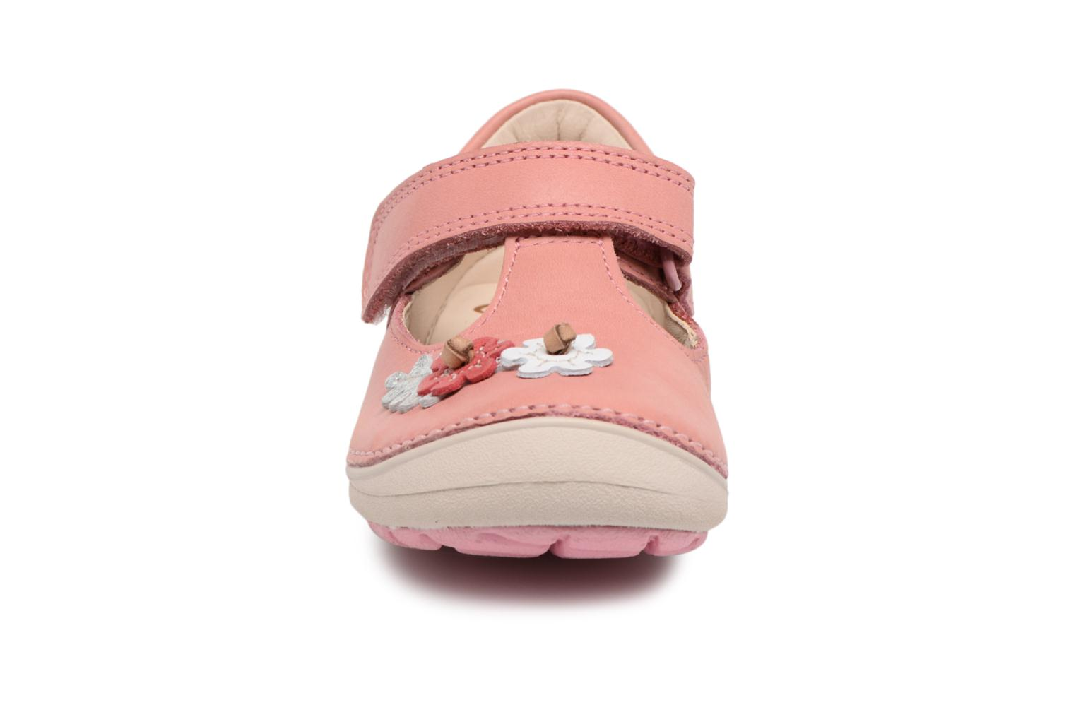 Ballet pumps Clarks Softly Blossom Pink model view
