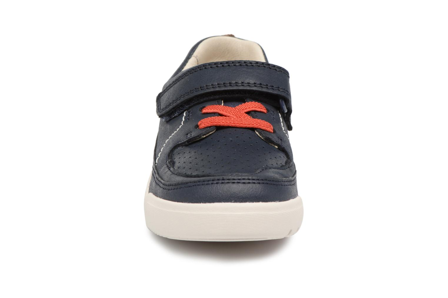 Trainers Clarks Mini Oasis Blue model view