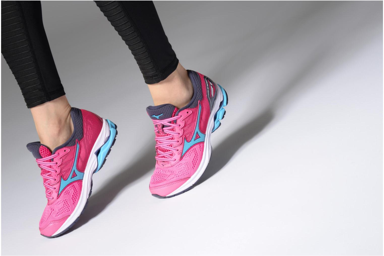 Chaussures de sport Mizuno Wave Rider 21 (W) Rose vue bas / vue portée sac