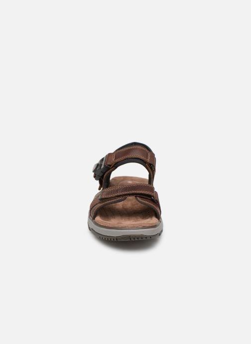 Sandales et nu-pieds Clarks Unstructured Un Trek Part Marron vue portées chaussures