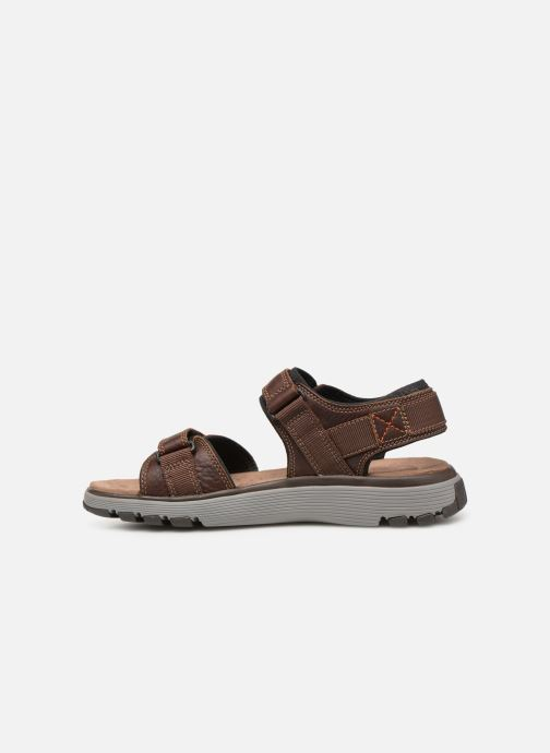 Sandalias Clarks Unstructured Un Trek Part Marrón vista de frente