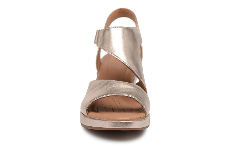 Sandales et nu-pieds Clarks Unstructured Un Plaza Sling Or et bronze vue portées chaussures