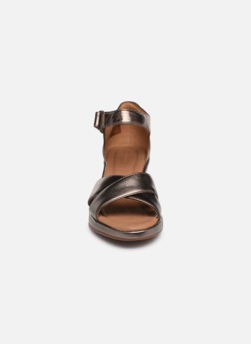 Sandalen Clarks Unstructured Un Plaza Cross Zilver model