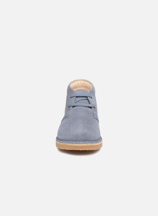 Chaussures à lacets Clarks Desert Boot K Bleu vue portées chaussures