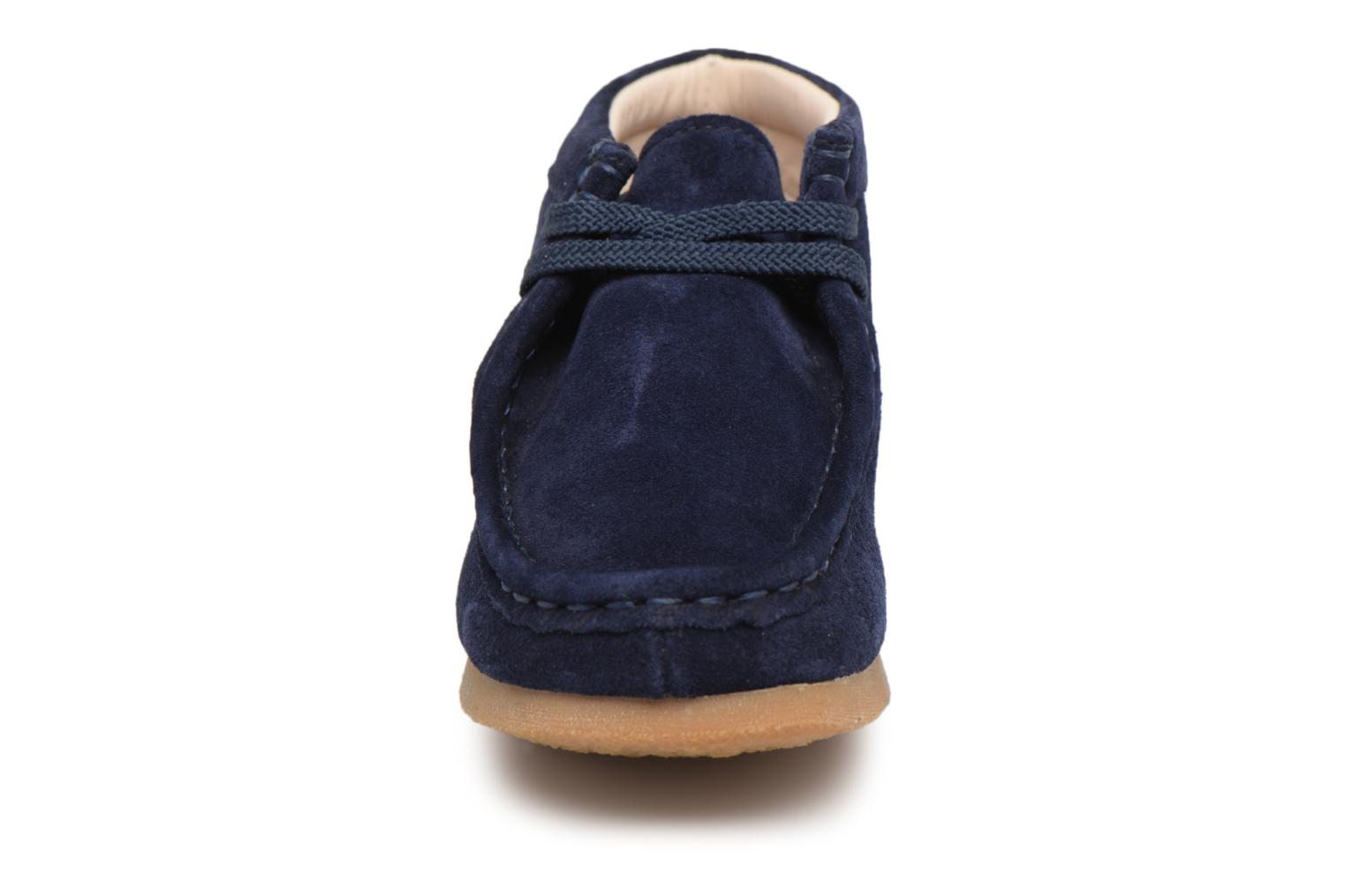 Lace-up shoes Clarks Wallabee Bt Blue model view