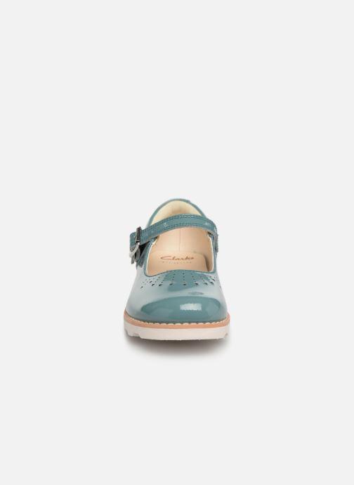 Ballerines Clarks Crown Jump Bleu vue portées chaussures