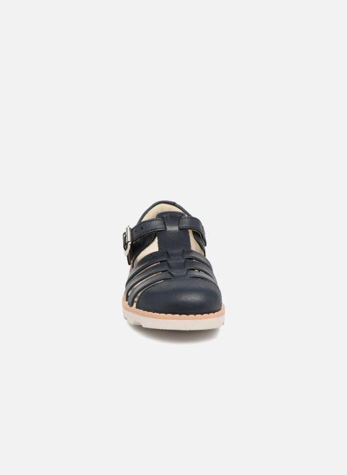 Sandales et nu-pieds Clarks Crown Stem Bleu vue portées chaussures