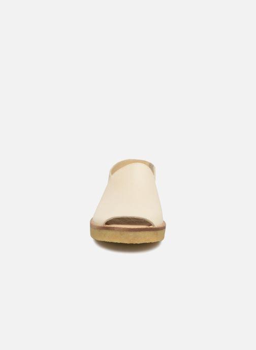 Sandali e scarpe aperte Tinycottons Crepe solid sandals Beige modello indossato