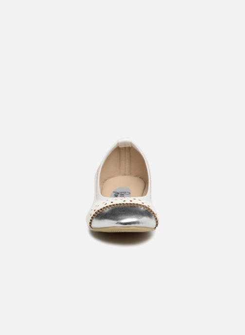 Ballerines I Love Shoes Kilina Blanc vue portées chaussures