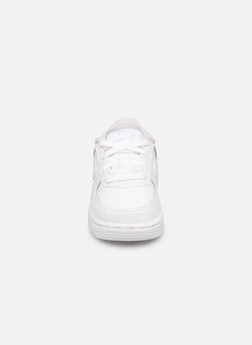 Baskets Nike Nike Force 1 (Td) Blanc vue portées chaussures