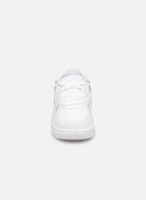 Baskets Nike Nike Force 1 (Td) Blanc vue portées chaussures